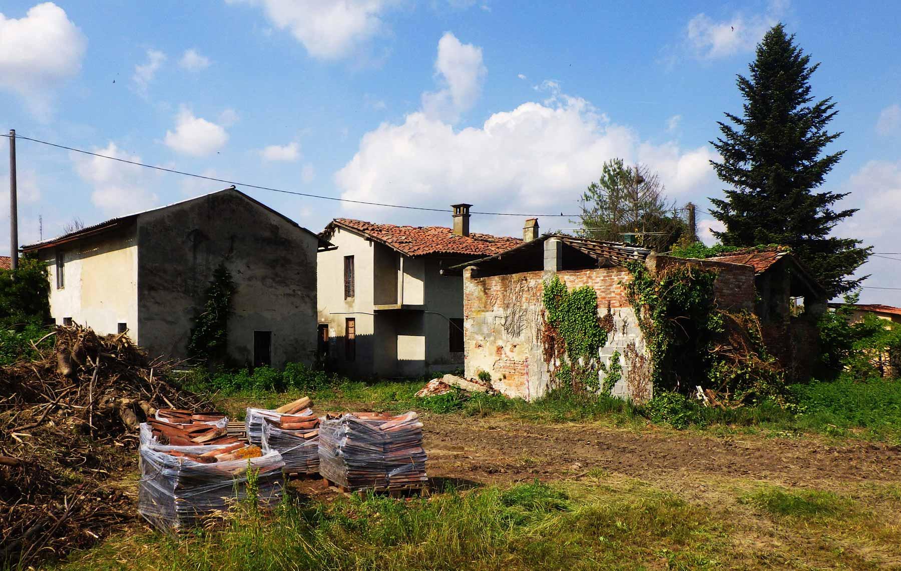ristrutturazione complesso rurale Corno Giovine